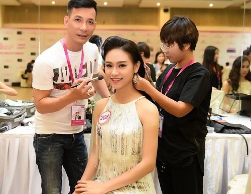 Kendy Thái là chuyên gia trang điểm nổi tiếng cho nhiều người đẹp như Hoa hậu Huyền My, Diễm My, ...