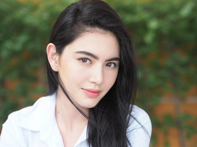 Một gương mặt xinh đẹp nổi tiếng của Thái Lan.