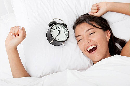 Sau khi thức dậy, bạn nên ăn một bữa sáng nóng hổi. Ảnh: fax.al.