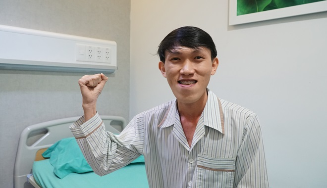 Vẻ điển trai của chàng trai Ninh Thuận sau phẫu thuật thẩm mỹ - 1