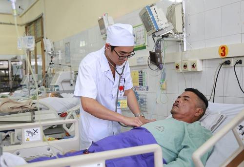 Anh Minh nói chuyện được bình thường sau sự cố gắng nỗ lực của các bác sĩ. Ảnh: BVCC