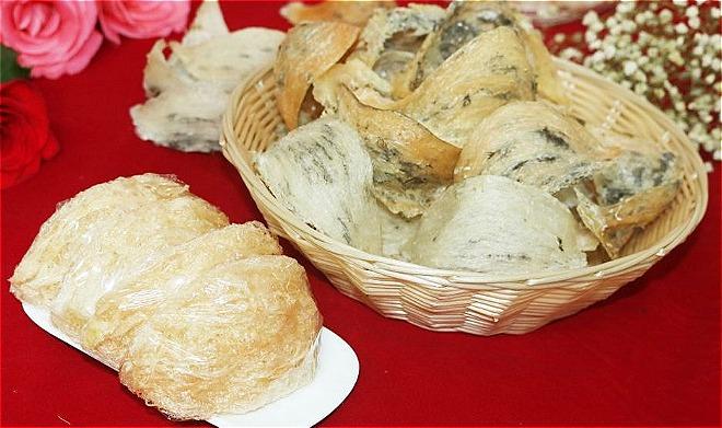 Yến sào là một loại thực phẩm được lấy từ tổ chim yến. Ảnh: CTB