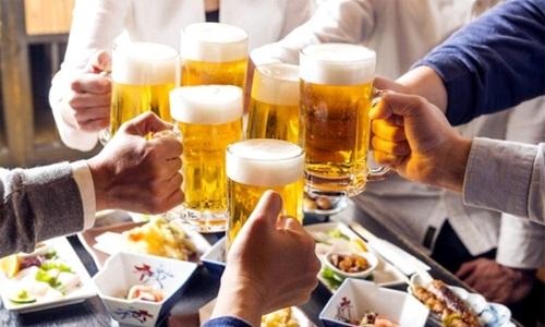 Đàn ông uống nhiều rượu bia, tinh trùng bị dị dạng