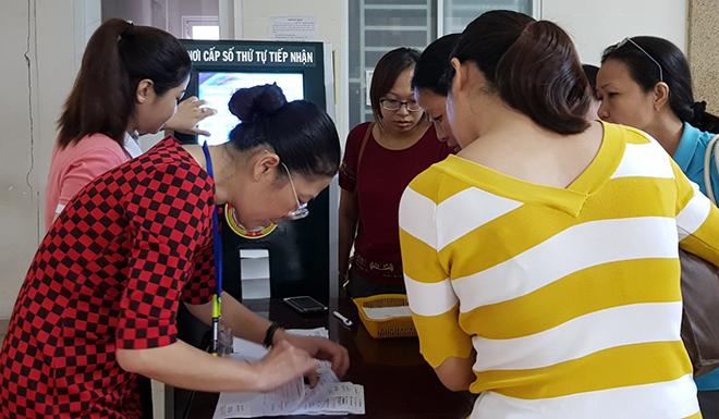 Gần 500 thầy cô giáo TP HCM đăng ký khám, tầm soát ung thư ngày 24/11.