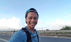 Chàng trai Hà Nội chạy bộ một mình đến TP HCM