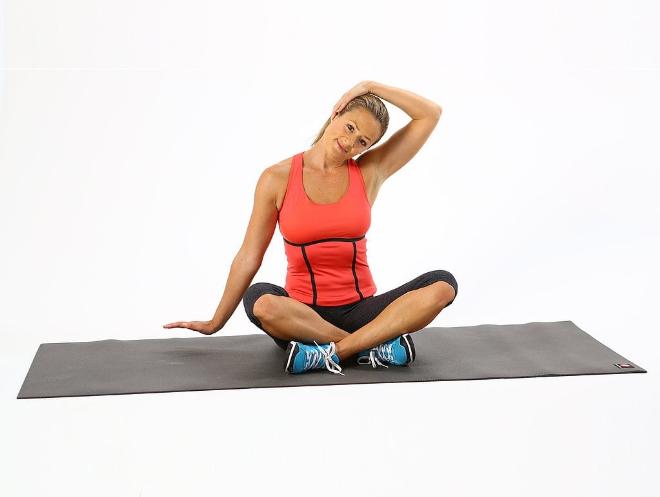 Bài tập giúp thư giãn các cơ ở vùng cổ, giảm áp lực lên đĩa đệm.