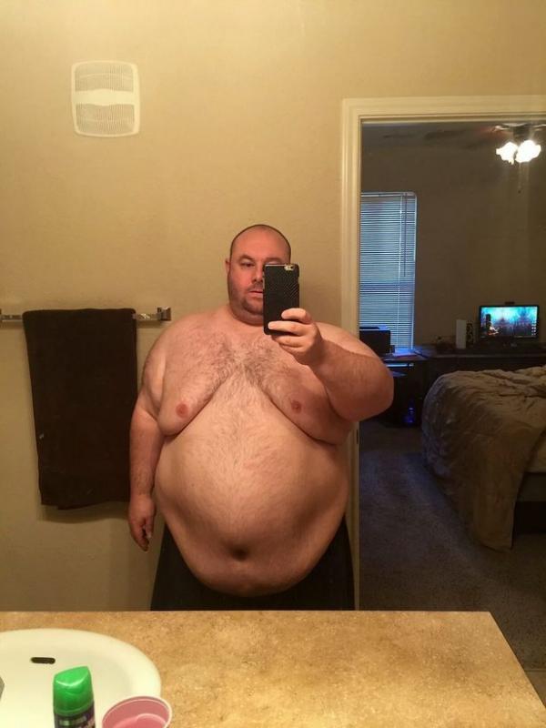 Ngoại hình quá khổ với cân nặng 184 kg khiến cuộc hôn nhân của Stephen đổ vỡ. Ảnh: DS
