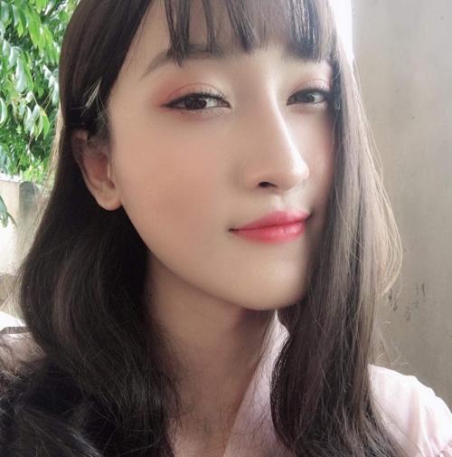 Trần Ngọc Sang với gương mặt chuẩn nữ tính sau thẩm mỹ