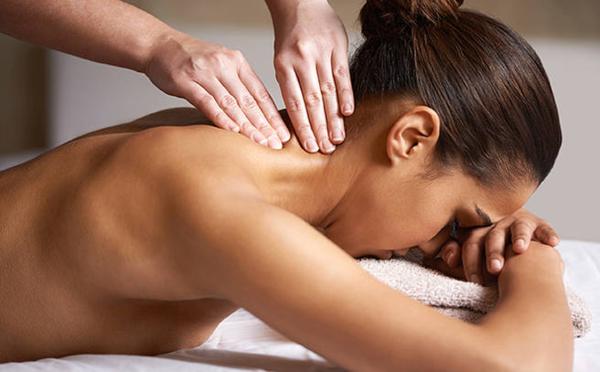 Massage vùng cổ dễ ảnh hưởng đến các mạch máu quan trọng, dễ ảnh hưởng đến não. Ảnh: Global Hotel Alliance