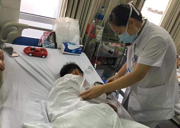 Bệnh nhi đang được theo dõi tại bệnh viện sản Nhi Nghệ An. Ảnh: Bệnh viện cung cấp