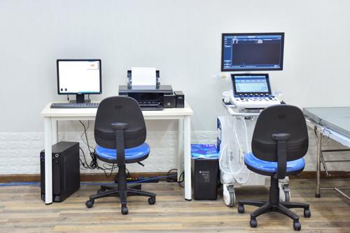 Trang thiết bị hiện đại đòi hỏi nhân lực có trình độ cao.
