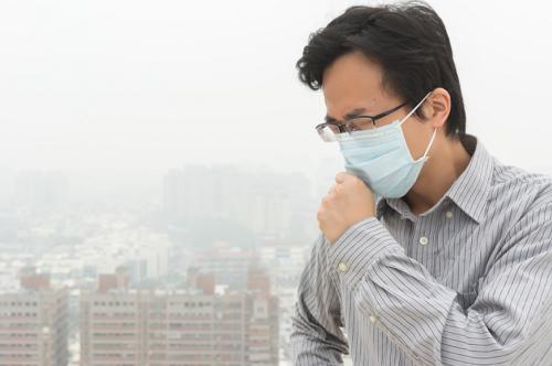 Môi trường bị ô nhiễm khiến mũi dần bị suy giảm chức năng bảo vệ vốn có.