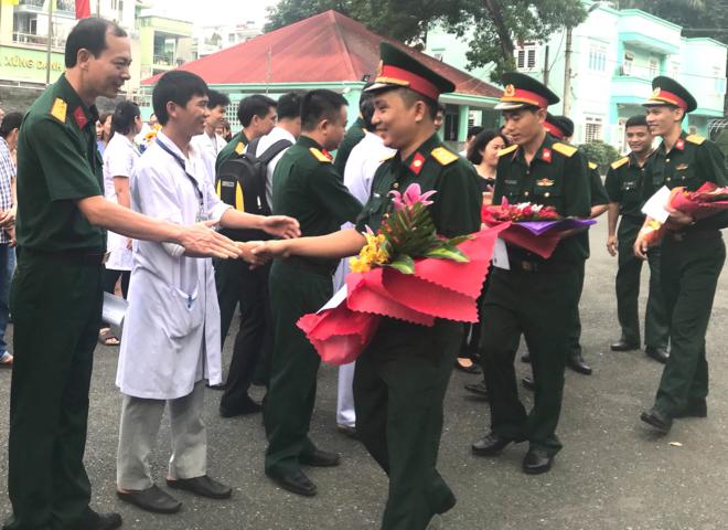 Bệnh viện Quân y 175 tổ chức lễ xuất quân cho đoàn y bác sĩ thực hiện nhiệm vụ ở huyện đảo Trường Sa sáng 28/12. Ảnh: B.K