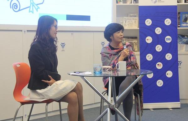 PGS.TS Nguyễn Hoàng Ánh vàcác Nghị sĩ trẻ của Ủy ban Giáo dục đã đề xuất đề án Đưa giáo dục giới tính vào hệ thống giáo dục quốc dân.
