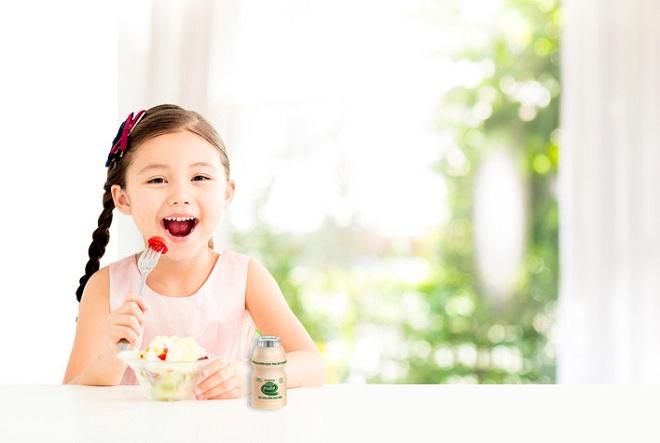 Chăm sóc sức khỏe đường ruột giúp bé có sức đề kháng tốt.
