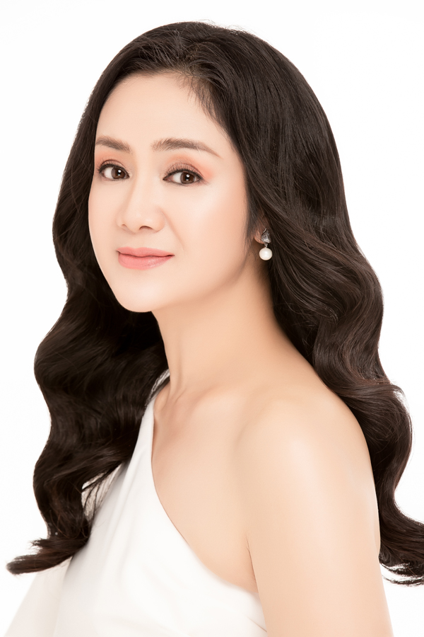 NSƯT Thu Hà đọ sắc cùng Hoa hậu Hoàng Dung, MC Minh Hà - 1