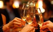 Uống rượu khi bụng đói ảnh hưởng sức khỏe như thế nào