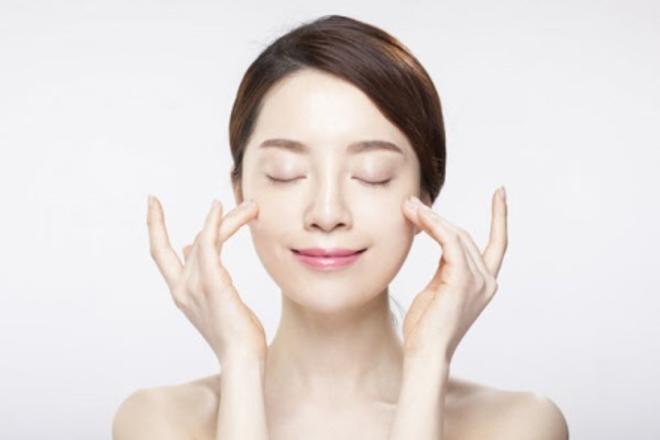 Tinh chất hạt nho hỗ trợ xóa nếp nhăn, giúp làn da trẻ trung hơn.