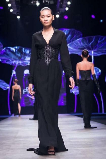 Kim Anh khi còn trình diễn thời trang. Cô sinh năm 1993, gốc Nam Định, từng là người người mẫu tự do tại TP HCM.