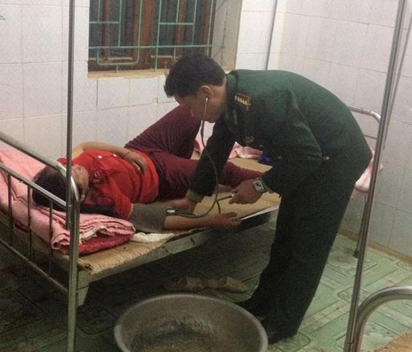 Sau khi được sơ cứu, bệnh nhân đã qua cơn nguy kịch. Ảnh doTrạm y tế xã Tri Lễ cung cấp.