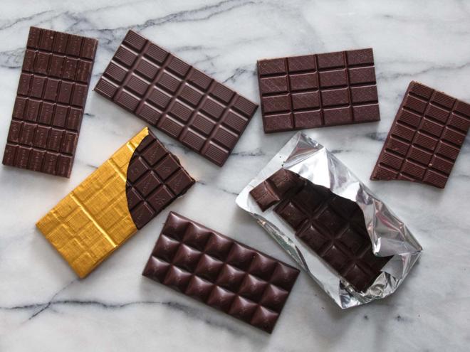 Chocolate đen có nhiều lợi ích cho sức khỏe hơn chocolate sữa. Ảnh: Serious Eats