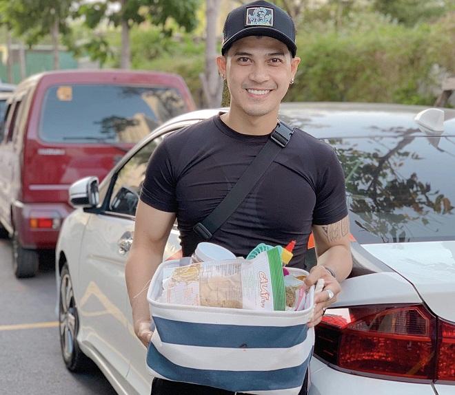 Bửu Đa tự chuẩn bịđồ ăn chay đến phim trường để ăn. Ảnh: Nhân vật cung cấp