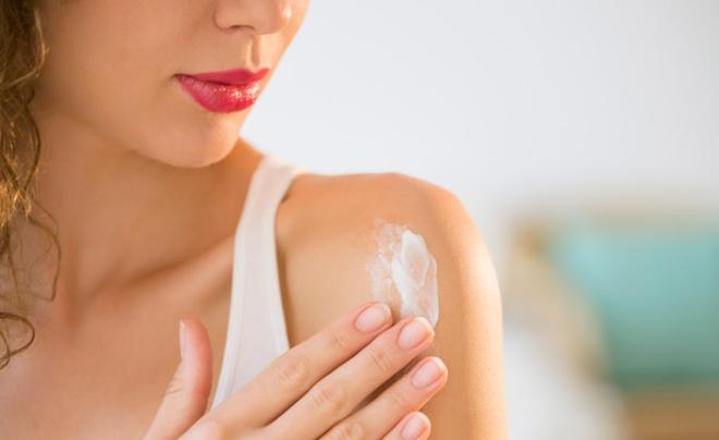 Image result for Sử dụng kem chống nắng có an toàn không ?