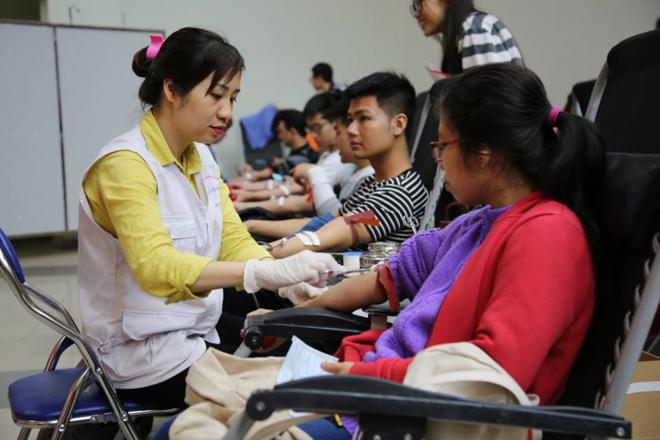 9.000 người đăng ký tham gia hiến máu dịp Lễ hội Xuân Hồng năm nay. Ảnh: M.T
