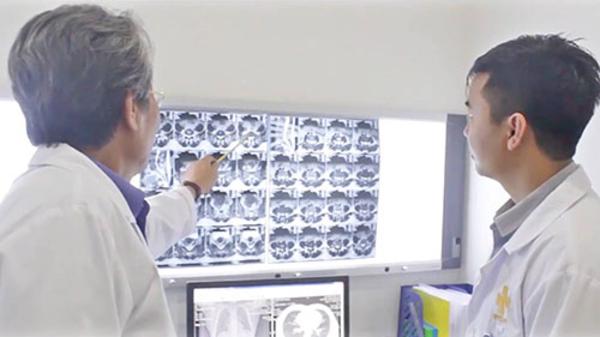 Dựa trên gợi ý của hệ thống trí tuệ nhân tạo, các bác sĩ đưa ra phác đồ điều trị ung thư.