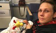 Người mẹ ung thư từ chối xạ trị để con chào đời an toàn