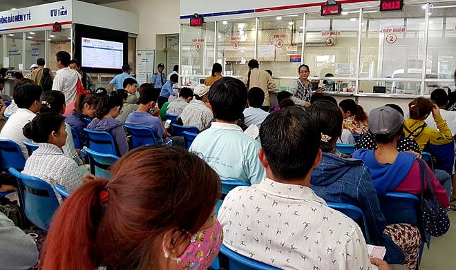 Bệnh nhân khám bệnh tại Bệnh viện Truyền máu Huyết học TP HCM. Ảnh: Lê Phương.