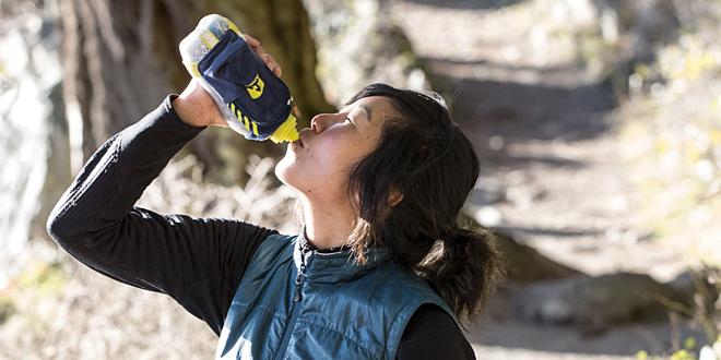 Thành phần trong nước uống năng lượnggồm nhiều khoáng chất bổ sung giúpngười chơi thể thao tỉnh táo, tập trung và tăng cường thể chất. Ảnh: Rei