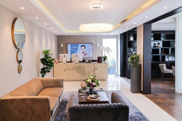 Bên cạnh công nghệ, Huyền Baby còn đầu tư cho không gian chăm sóc sắc đẹp sang trọng, hiện đại.
