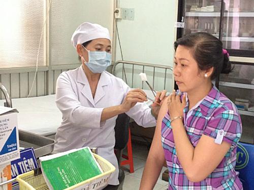 Tiêm văcxin ngừa dại tại Trung tâm Y tế Dự phòng TP HCM. Ảnh: yteduphong.