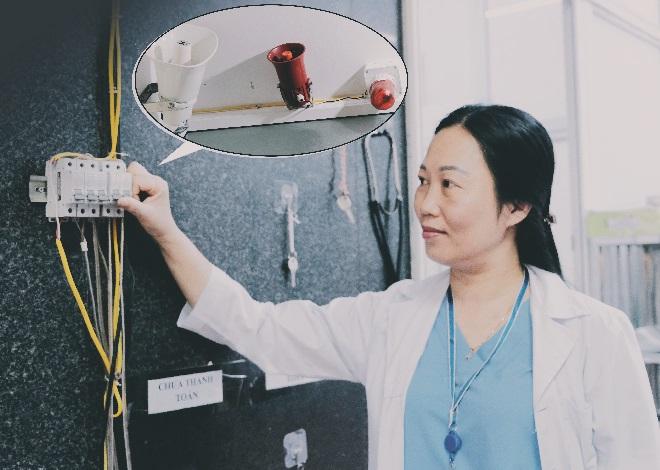 Hệ thống kích hoạt báo động đỏ nội viện tại bệnh viện đa khoa Thạch Thất, huyện Thạch Thất, Hà Nội. Ảnh: Trung Mai