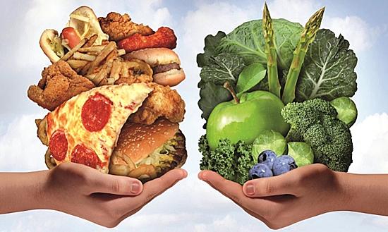 Hạn chế chất béo, bổ sung rau xanh để có trái tim khỏe mạnh. Ảnh: Yukle