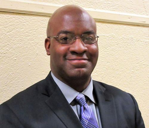 Thầy Derrick qua đời sau khi hiến tủy cho thiếu niên xa lạ. Ảnh: AP.