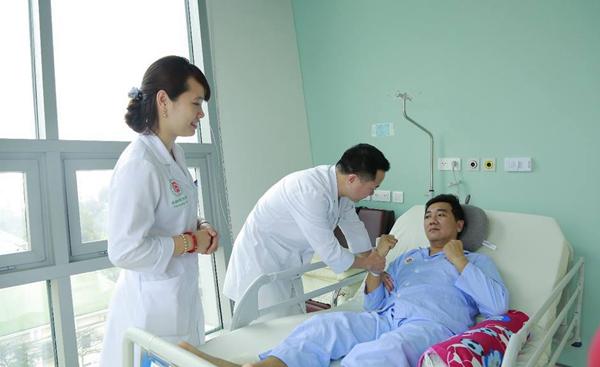 Một bệnh nhân nhồi máu não hồi phục nhờ điều trị kịp thời. Ảnh: Thúy Ngọc.