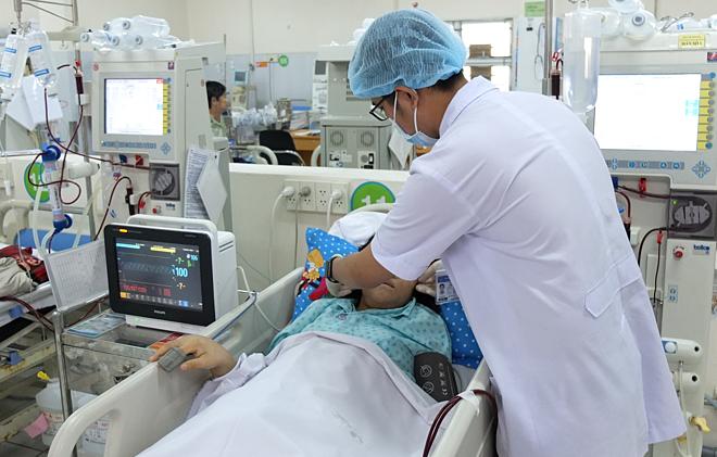 Bệnh nhân không thể hồi phục chức năng thận sau khi dùng thuốc giảm cân không rõ nguồn gốc. Ảnh: Trần Nhung.