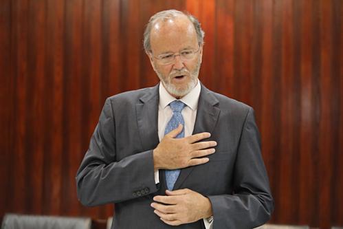 Giáo sư Claude Pichard đã cập nhật các kiến thức dinh dưỡng cho cán bộ y tế Bệnh viện Chợ Rẫy ngày 12/4.