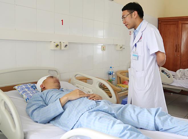 Bệnh nhân ổn định sau 5 ngày mổ. Ảnh: Hà Trang.