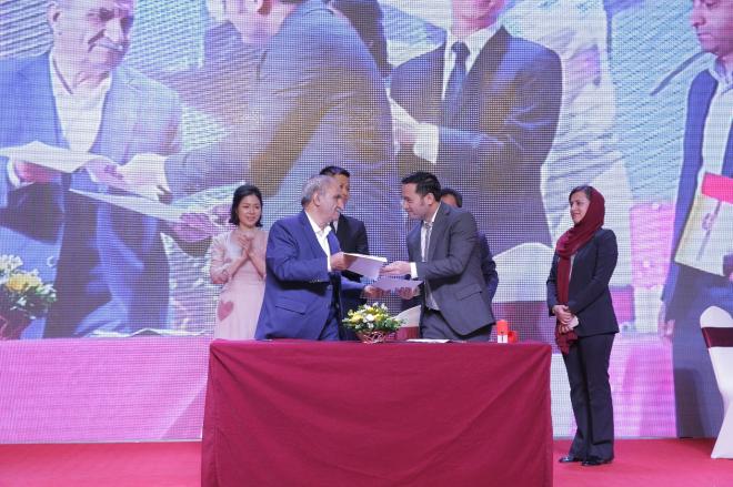 Ký kết bản ghi nhớ giữa Công ty Tây Á và Tập đoàn Bahraman Saffaron.