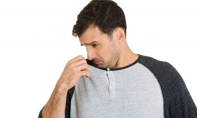 Mùi cơ thể thường có xu hướng đậm hơn vào ngày nóng.