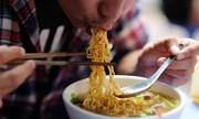 Ăn mì ăn liền như thế nào tốt cho sức khỏe?