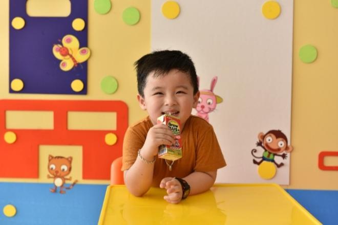 Sữa đặc trị giúp bổ sung dinh dưỡng cho trẻ.