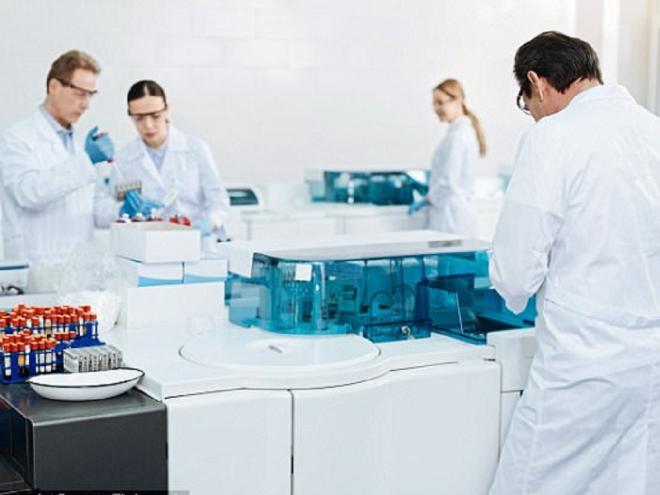 Hiện, việc điều trị ung thư gồm một số phương pháp phổ biến như hóa chất, phẫu thuật, xạ trị - chiếu tia...