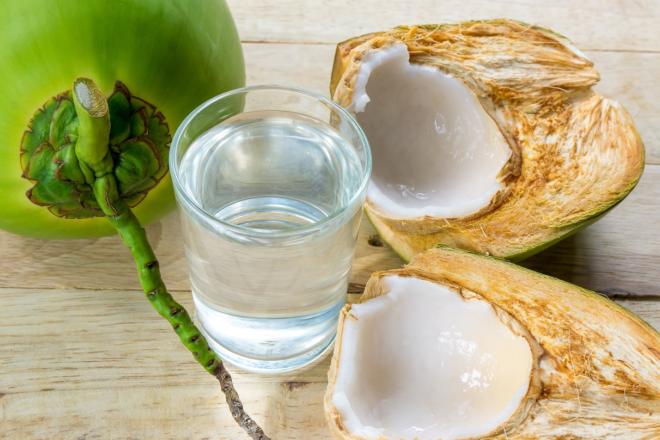 chữa sỏi thận bằng nước dừa