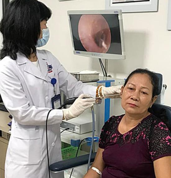 Bệnh nhân khám tại Bệnh viện K, Hà Nội. Ảnh: Hà Trần.