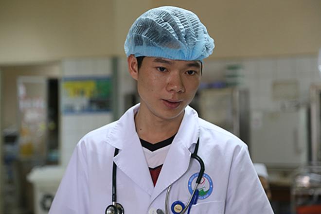 Bác sĩ Hoàng Công Lương. Ảnh: Phạm Dự.