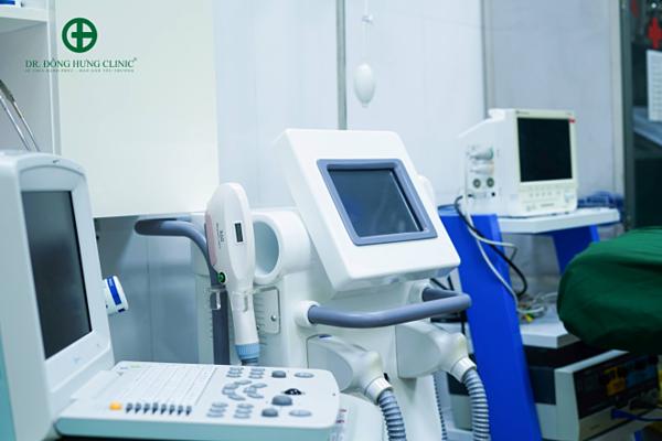 Trang thiết bị y tế hiện đại.